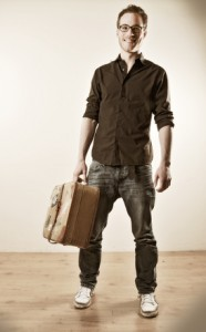 Mann vor dem Auslandsaufenthalt